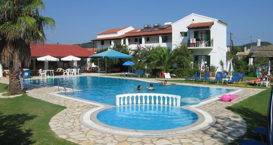 Takis Efi Apartments Sidari